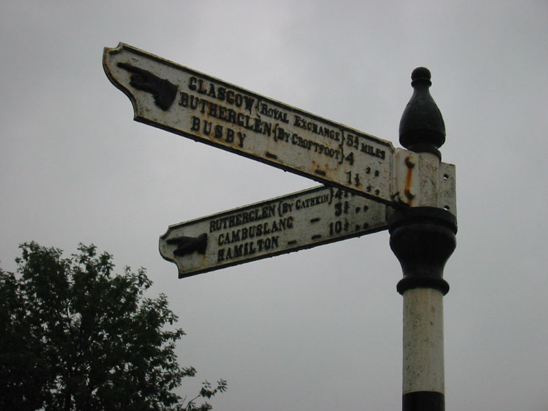 Fingerpost sign in Carmunnock 2b Coppermine 7322